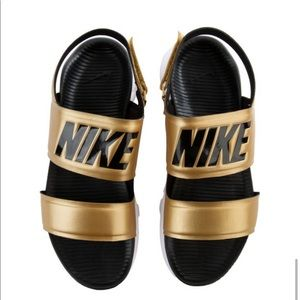 NWT Nike Tanjun Sandal Metallic Gold & Black